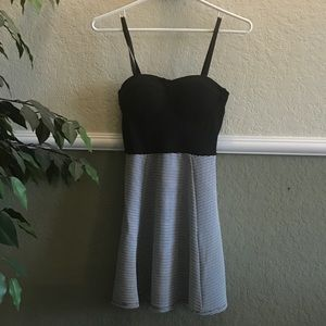 MATERIAL GIRL BLACK AND  WHITE DRESS